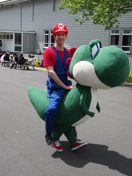 DIY-Mario-Yoshi-costume-halloween-1382962783U