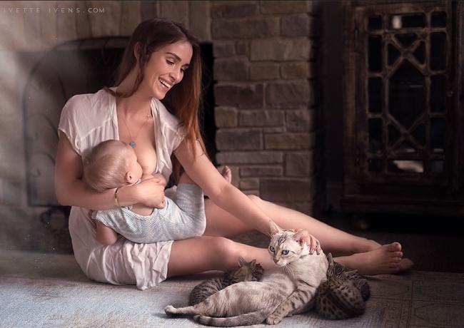 331505-R3L8T8D-650-motherhood-photography-breastfeeding-godesses-ivette-ivens-14