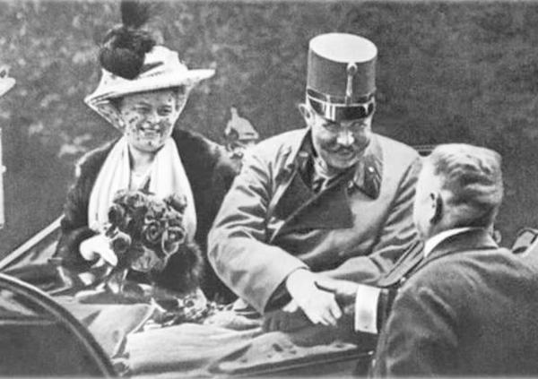 ชม 20 ภาพ การหัวเราะที่เอาชวิทซ์ ของผู้คุมนาซี ที่สะท้อน